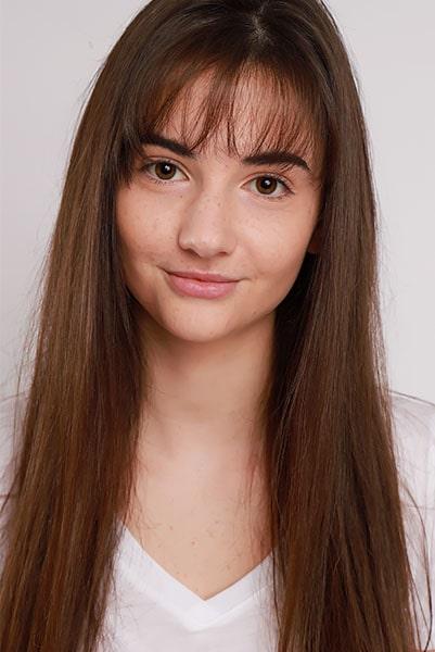 Alexandra Lovatt (1)-min