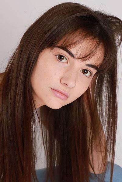 Alexandra Lovatt (4)-min