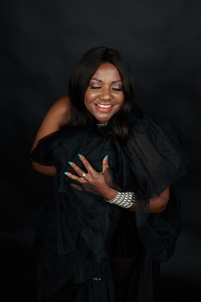 Angie Brown (10)-min