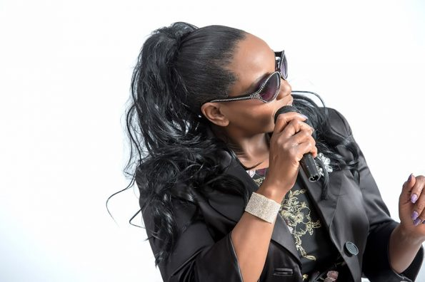 Angie Brown (13)-min
