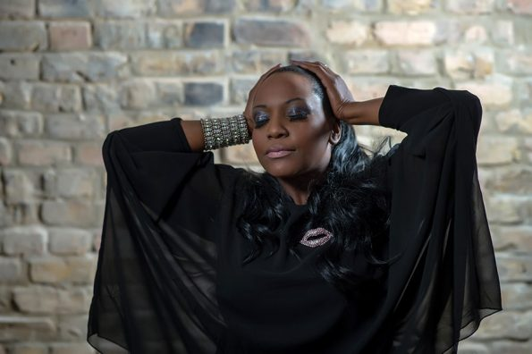 Angie Brown (21)-min