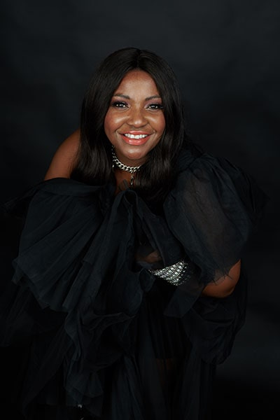 Angie Brown (9)-min