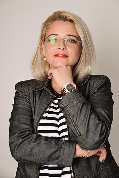 Erika Bors (2)-min