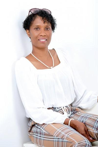 Sandra A Fenton