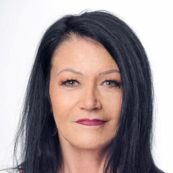 Angela Sykes (1)-min