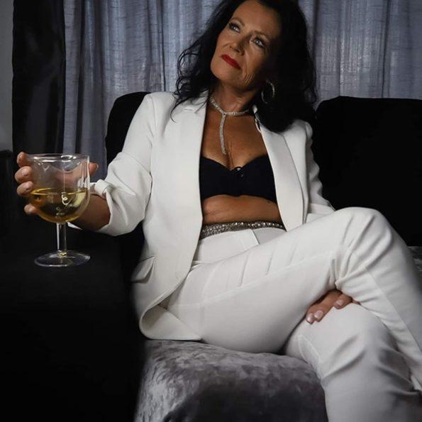 Angela Sykes (11)-min