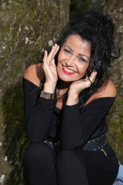 Angela Sykes (5)-min