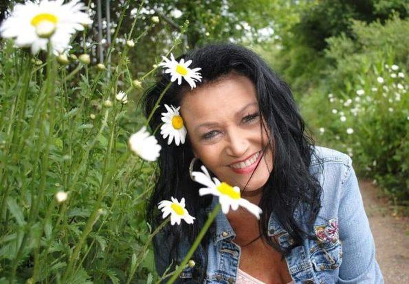 Angela Sykes (6)-min