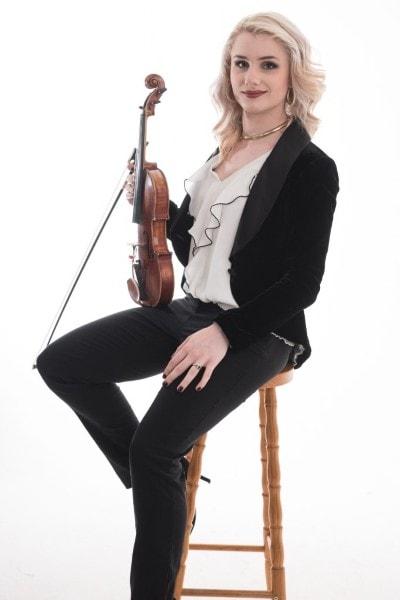 Hannah Roper (9)-min