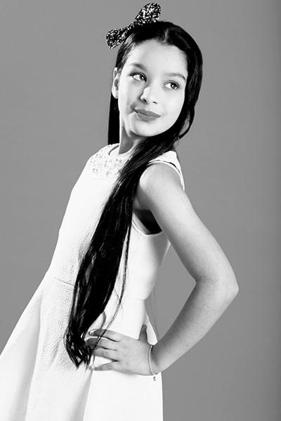 Thanisha kaur (18)-min