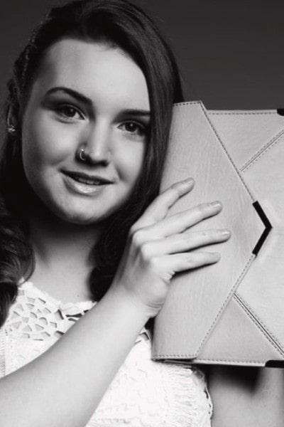 Halle Brooke (13)