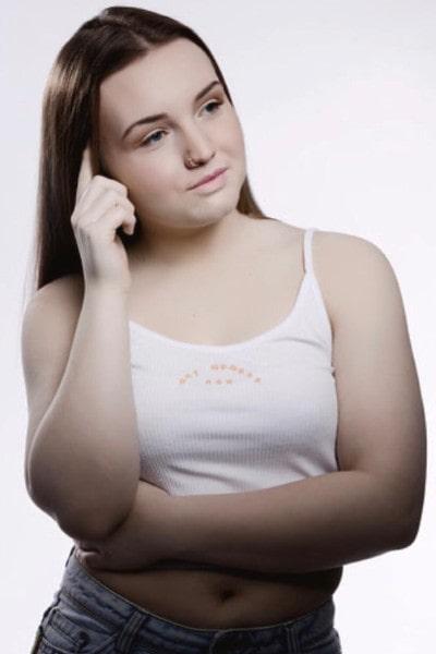 Halle Brooke (14)