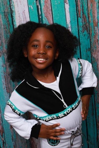 Zoe-Kelsey (2)