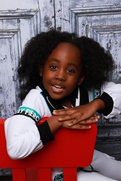 Zoe-Kelsey (4)