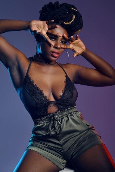 Sandraa Adoley (21)