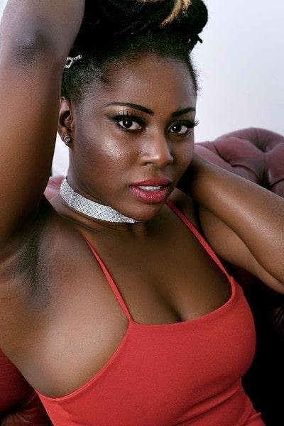 Sandraa Adoley (22)