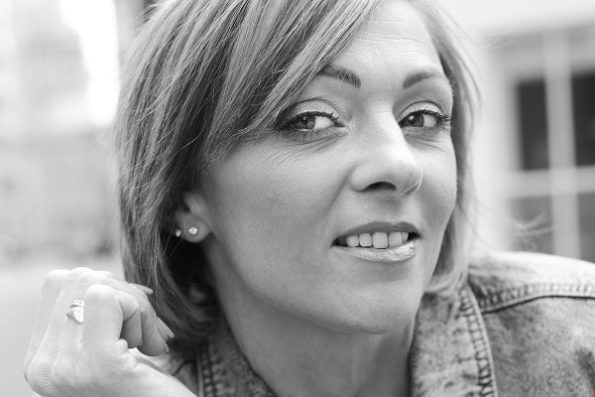 Louise Hull (30)