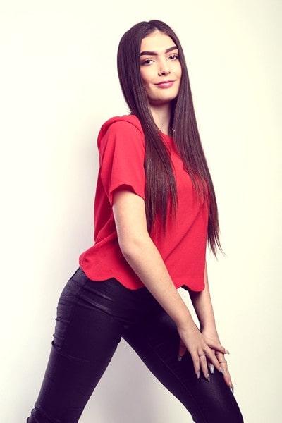 Mya Antal (30)