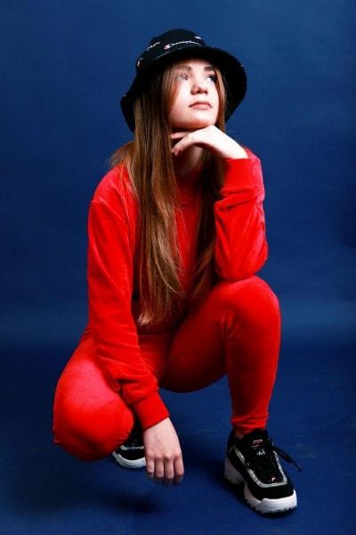 Alessia Z (19)