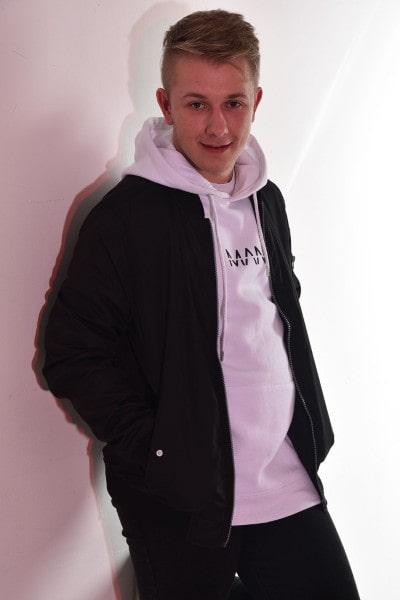 Josh Cowlard (4)