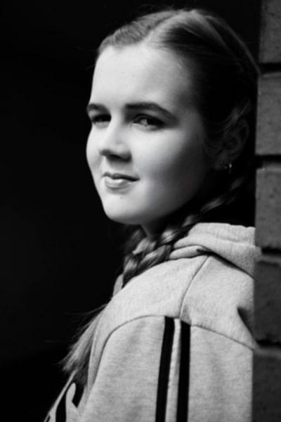 Amber Price (17)