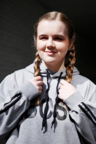 Amber Price (19)